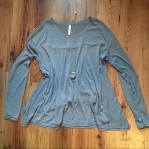 Tops - Boutique Lightweight swingy grey top size S